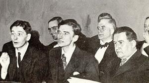 """Kauniaiskirjailijat Rabbe Enckell, Olof Enckell ja Elmer Diktonius. Kuva Thomas Warburtonin kirjasta """"Åttio år finlandssvensk litteratur""""."""